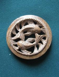 un élément d'un bijoux en ivoire de mammouth, Russie, Altay